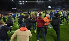 west-brom-aston-villa-fa-cup-pitch-invasion_3273869