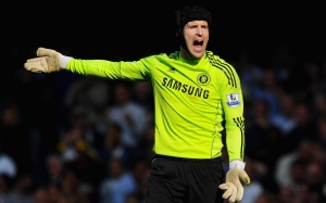 _The_football_player_Chelsea_Petr_Cech_048809_