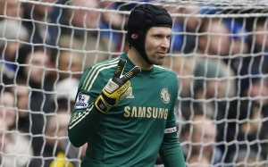 _The_goalkeeper_Chelsea_Petr_Cech_048811_