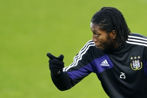 Anderlecht's player Dieudonne Mbokani gestures during a training session at the Constant Vanden Stock stadium in Brussels