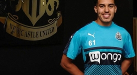 3692E80100000578-3706934-Yasin_Ben_El_Mhanni_20_has_been_signed_by_Newcastle_United_this_-m-1_1469454121956