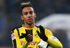 pierre-emerick-aubameyang-cropped_ey055ab3nqx7172voz56p8wnw